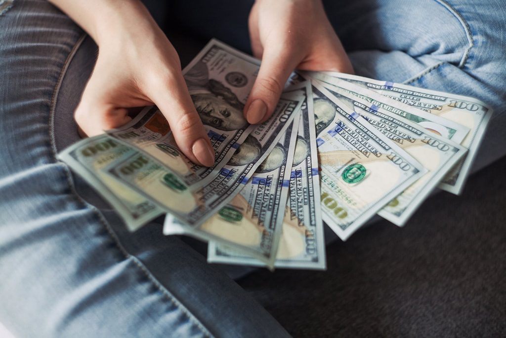 8 Simple Money Moves That Will Improve Your Finances