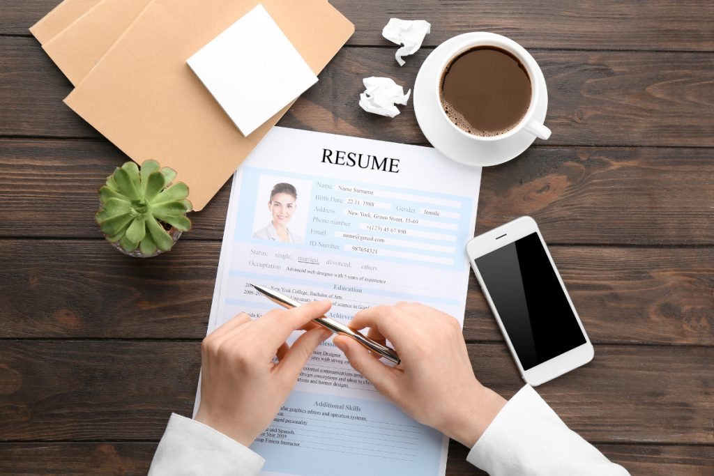 How to Create a Resume That Stands Out